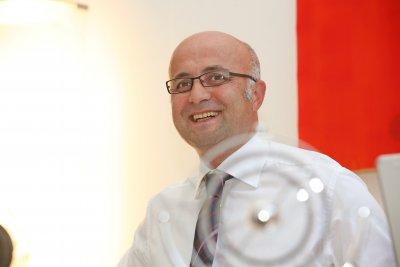 Dr. Hüseyin Özdemir